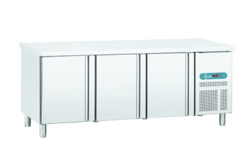 REFRIGERATED TABLE GN1/1 - 3 DOORS - FAN-ASSISTED